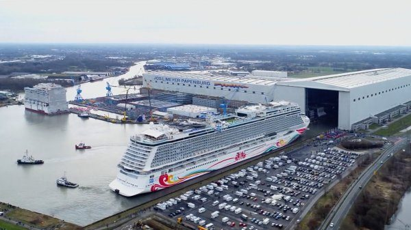Norwegian Joy – Ausdocken