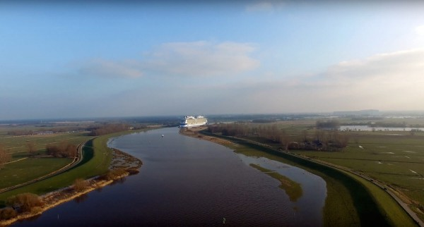 Ovation of the Seas – Überführung